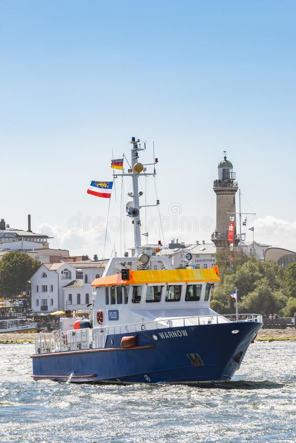 Γερμανικό σκάφος Warnow Warnemà ¼ αστυνομίας nde στοκ εικόνες