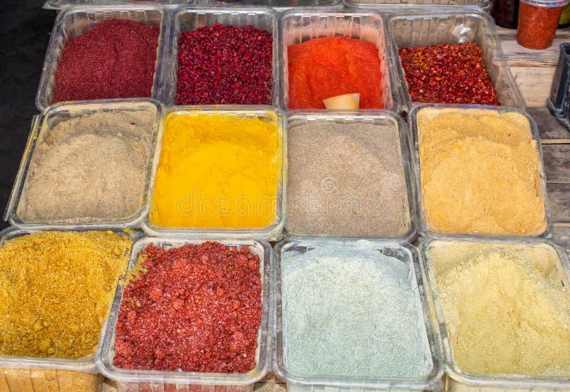 Γεωργία, τοπικός ο bazaar Πώληση των εθνικών ξηρών καρυκευμάτων στοκ εικόνα