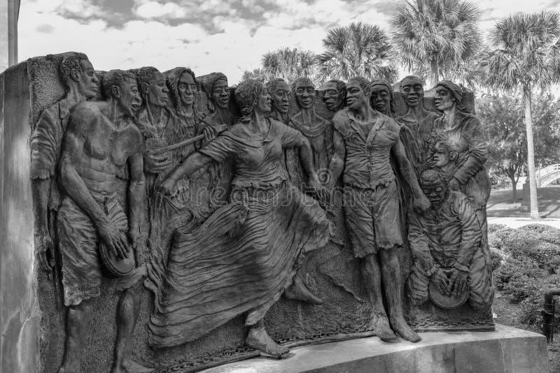 Γλυπτό των χορεύοντας σκλάβων στην πλατεία του Κογκό στο πάρκο του Louis Armstrong στη NOLA (ΗΠΑ στοκ φωτογραφίες με δικαίωμα ελεύθερης χρήσης