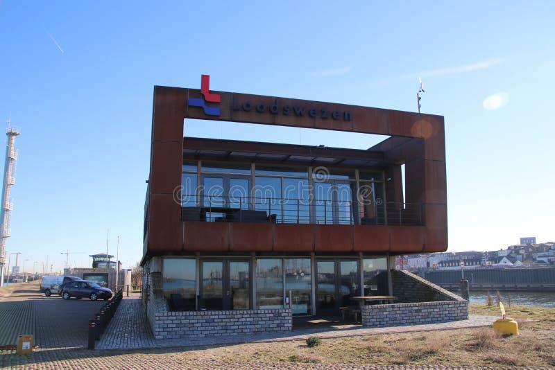 Γραφείο και περιοχή Loodswezen, η ολλανδική οργάνωση για τους πιλότους για να καθοδηγήσουν τα σκάφη στο λιμάνι IJmuiden στοκ εικόνες με δικαίωμα ελεύθερης χρήσης