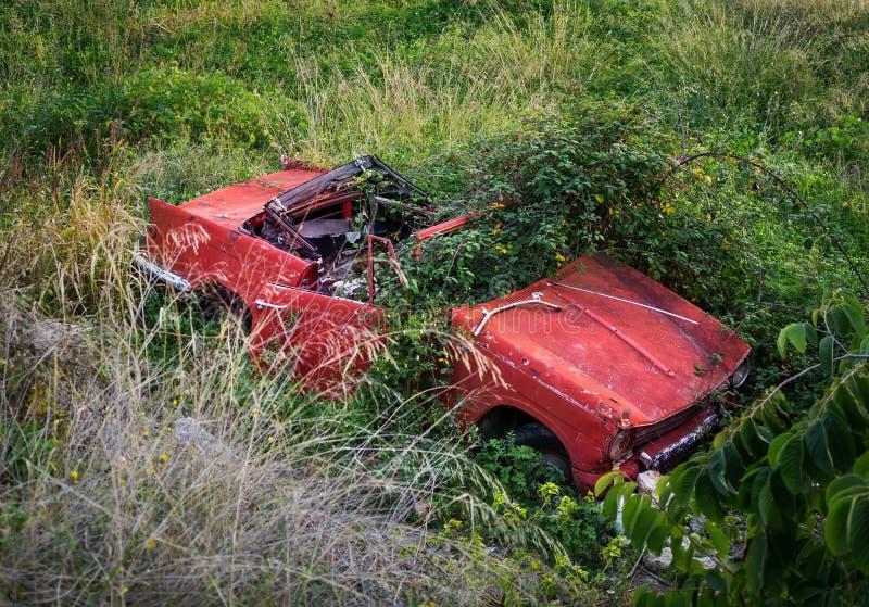 Εγκαταλειμμένο αυτοκίνητο στοκ φωτογραφία με δικαίωμα ελεύθερης χρήσης