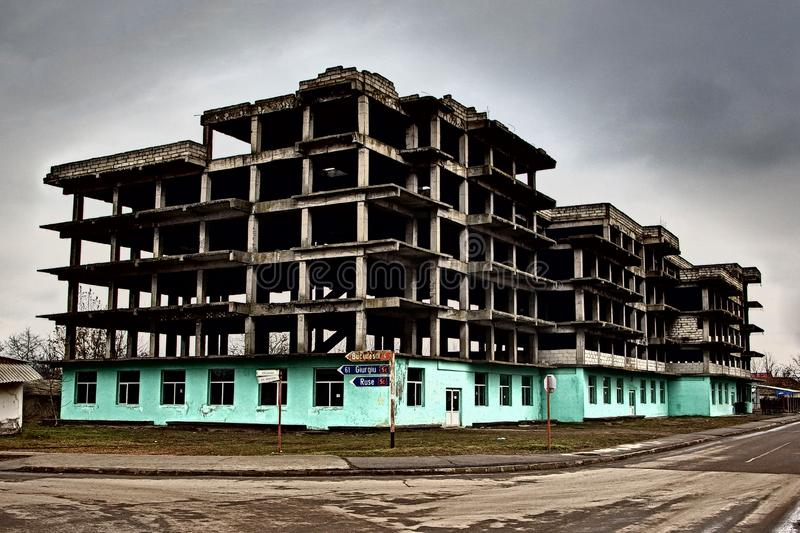 Εγκαταλειμμένο εργοτάξιο οικοδομής σε Zimnicea Ρουμανία στοκ φωτογραφία με δικαίωμα ελεύθερης χρήσης