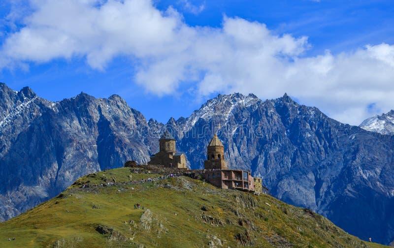 Εκκλησία Tsminda Sameba τριάδας Gergeti στοκ εικόνες