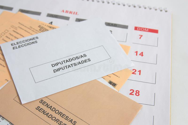 Εκλογικοί φάκελοι που ψηφίζουν στις ισπανικές γενικές εκλογές στοκ φωτογραφίες