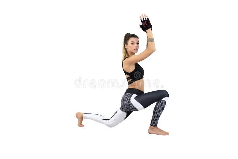 Ελκυστική γυναίκα ικανότητας, εκπαιδευμένο θηλυκό σώμα, ελκυστική γυναίκα ικανότητας με το τοπ, όμορφο καυκάσιο πορτρέτο τρόπου ζ στοκ φωτογραφία με δικαίωμα ελεύθερης χρήσης