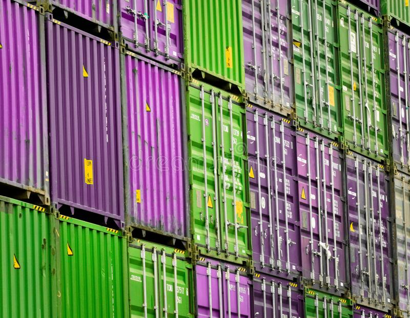 Εμπορευματοκιβώτια στο λιμένα του Αμβούργο στοκ φωτογραφία με δικαίωμα ελεύθερης χρήσης