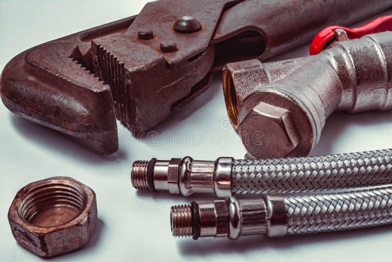 Εργαλεία για την επισκευή των υδραυλικών στοκ εικόνες
