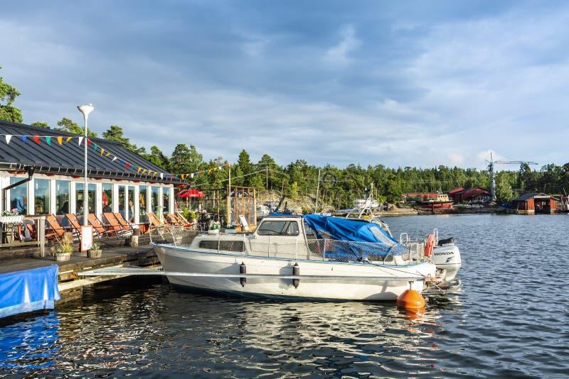 Εστιατόριο από το αρχιπέλαγος της Στοκχόλμης νερού στοκ φωτογραφίες
