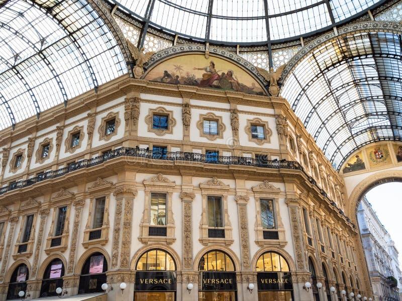 Εσωτερικό Galleria Vittorio Emanuele ΙΙ στο Μιλάνο στοκ εικόνες