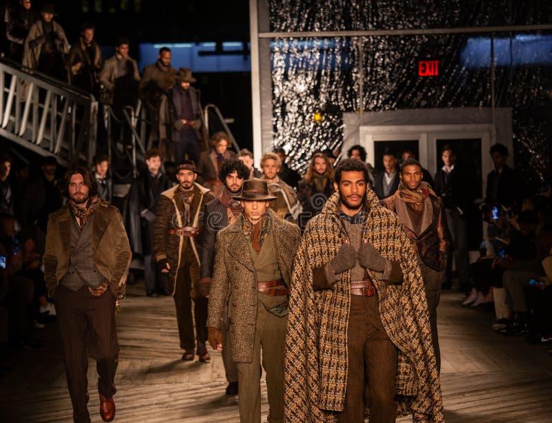 Επίδειξη μόδας πτώσης του 2019 των ατόμων του Joseph Abboud ως τμήμα της εβδομάδας μόδας της Νέας Υόρκης στοκ φωτογραφίες