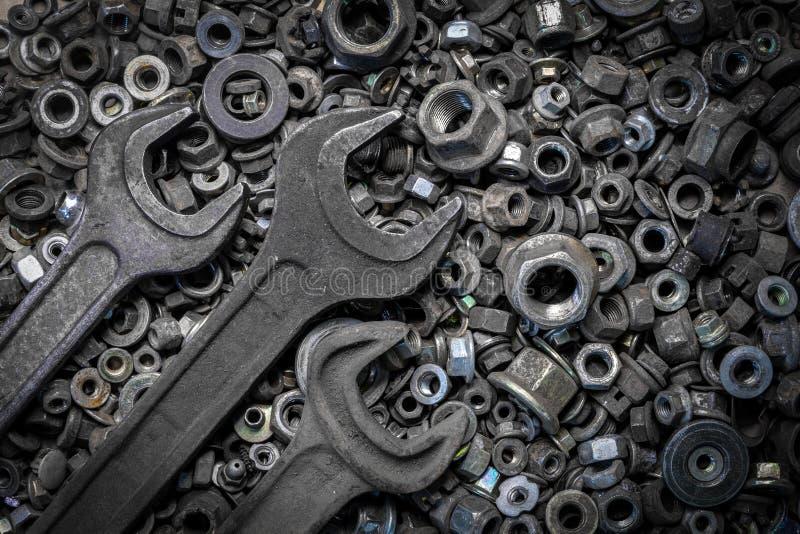 Επίπεδος βάλτε τα εργαλεία μετάλλων στοκ εικόνες