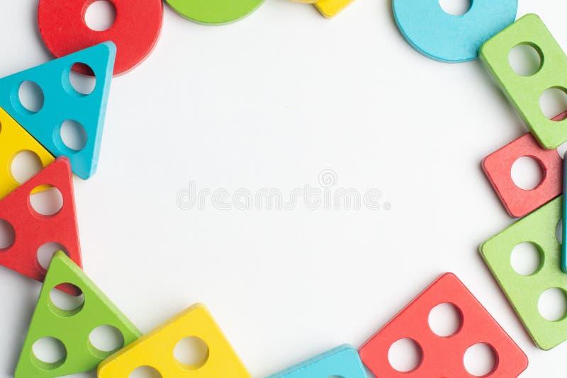Ζωηρόχρωμη ανάπτυξη παιδιών με τον κύκλο, το squara, το τρίγωνο και το ορθογώνιο στοκ εικόνες