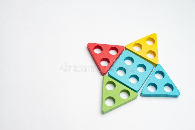 Ζωηρόχρωμη ανάπτυξη παιδιών με τον κύκλο, το squara, το τρίγωνο και το ορθογώνιο στοκ εικόνα με δικαίωμα ελεύθερης χρήσης