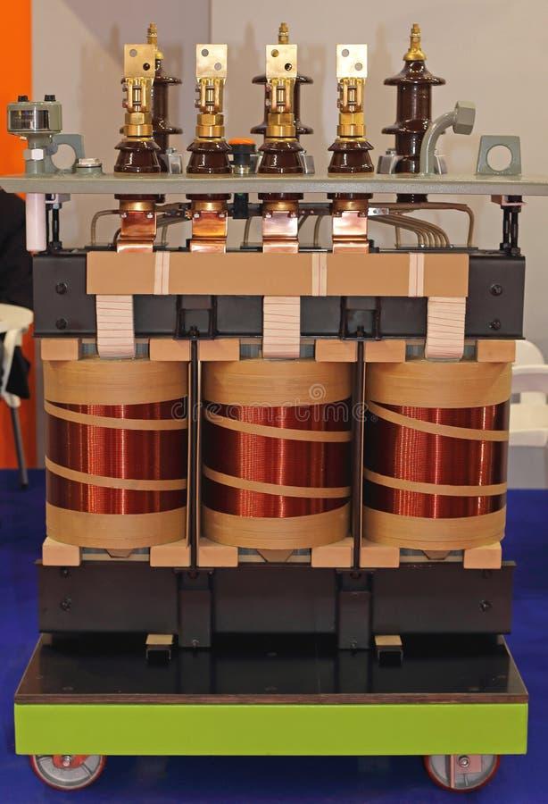 Ηλεκτρικές σπείρες μετασχηματιστών στοκ εικόνα με δικαίωμα ελεύθερης χρήσης