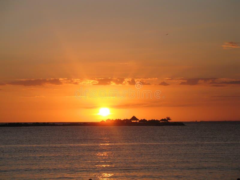 Ηλιοβασίλεμα στην παραλία της Δομινικανής Δημοκρατίας 2 στοκ φωτογραφία με δικαίωμα ελεύθερης χρήσης