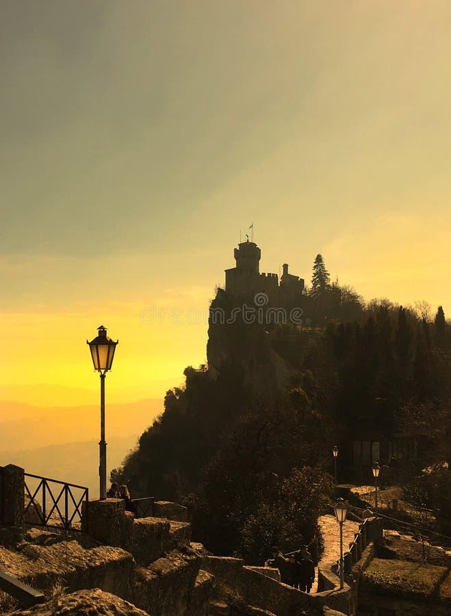 Ηλιοβασίλεμα στον Άγιο Μαρίνο στοκ εικόνα