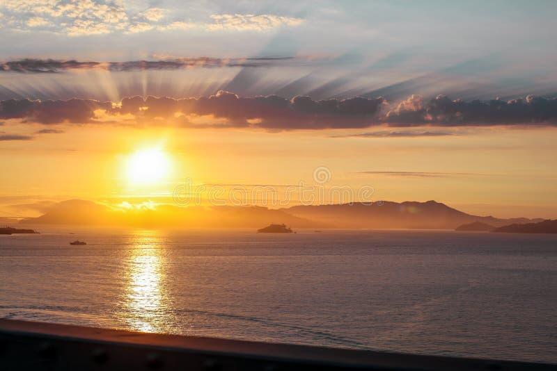 Ηλιοβασίλεμα πέρα από το υποστήριγμα Tam από το Σαν Φρανσίσκο στοκ εικόνα με δικαίωμα ελεύθερης χρήσης