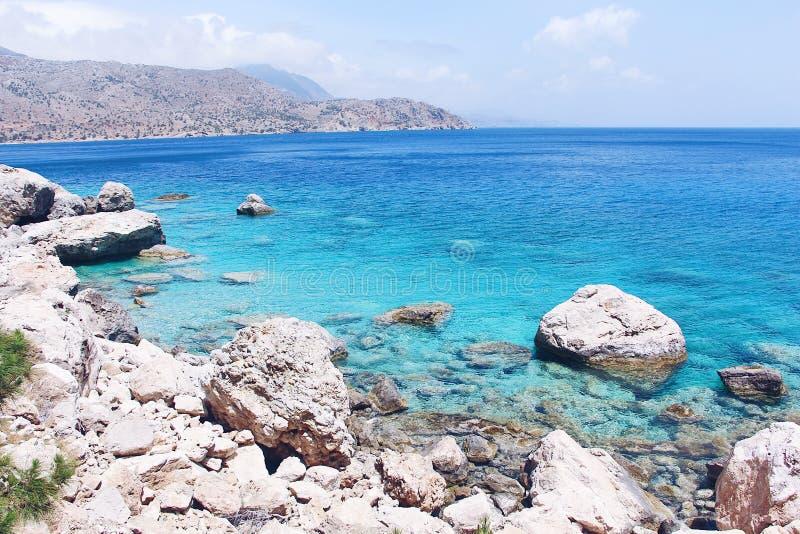 Η ακτή του νησιού Karpathos, Ελλάδα στοκ φωτογραφία