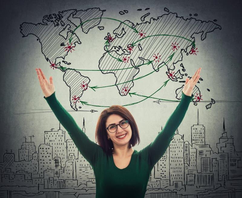 Η γυναίκα γιορτάζει την επιτυχία διανυσματική απεικόνιση