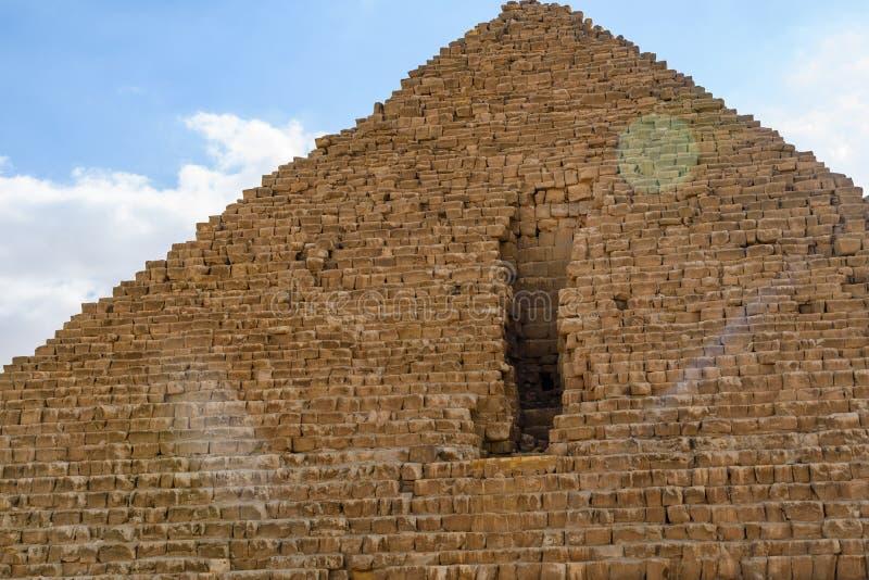 Η μεγάλη πυραμίδα Cheops στο οροπέδιο Giza Κάιρο Αίγυπτος στοκ φωτογραφία με δικαίωμα ελεύθερης χρήσης