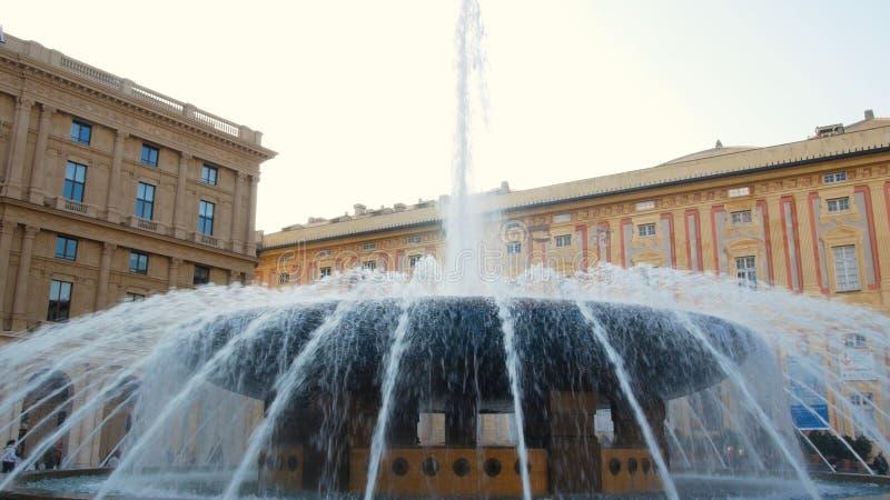 Η πηγή Piazza de Ferrari είναι η διασημότερη πηγή στη Γένοβα Βρίσκεται στο κέντρο Piazza de Ferrari στοκ εικόνες