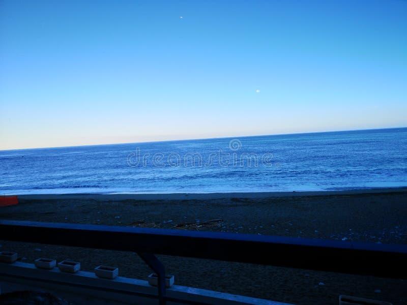 Θάλασσα πρωινού στην Ιταλία Γένοβα στοκ εικόνα