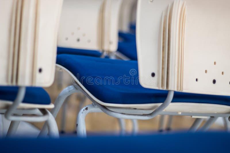 Θαμπάδων αφηρημένο υπόβαθρο άποψης εστίασης πίσω της έδρας στοκ εικόνες
