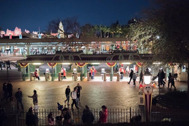 Θεματικό πάρκο θερέτρου Disneyland στο Αναχάιμ, Καλιφόρνια στοκ εικόνες
