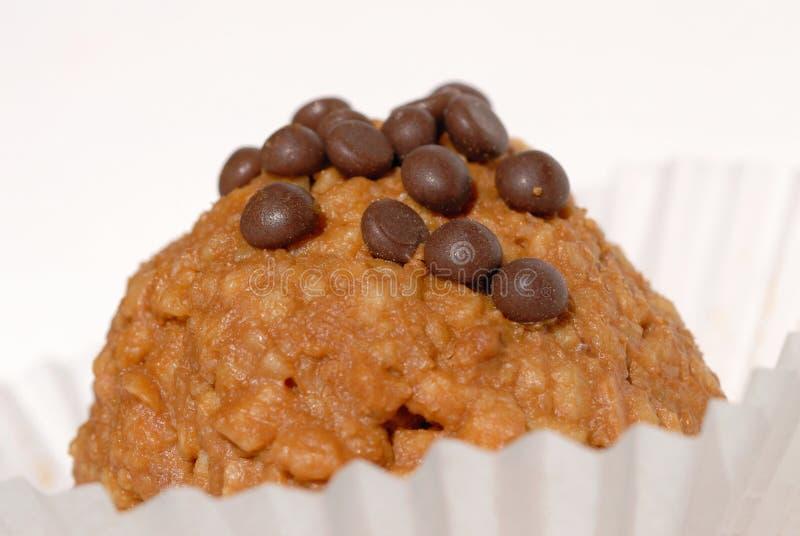 Κέικ με τη μυρμηγκοφωλιά ονόματος σε ένα ελαφρύ υπόβαθρο πεδίο βάθους ρηχό στοκ εικόνα με δικαίωμα ελεύθερης χρήσης