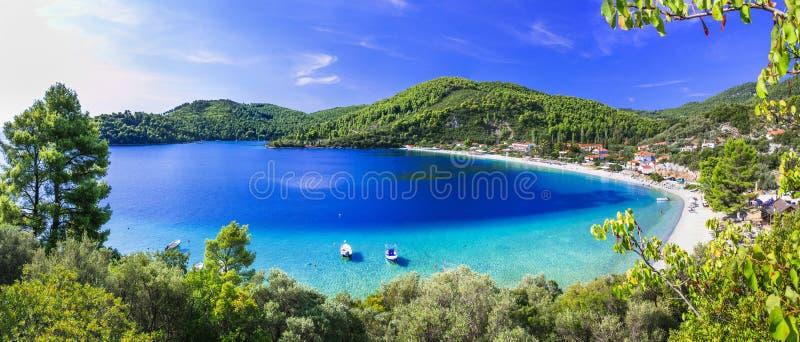 Καλύτερες παραλίες της Σκοπέλου - όμορφος κόλπος Panormos Νησί Sporades της Ελλάδας στοκ φωτογραφίες με δικαίωμα ελεύθερης χρήσης