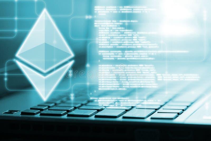 Καμμένος οδηγημένο ολόγραμμα Ethereum ETH στο πληκτρολόγιο υπολογιστών και το εικονικό υπόβαθρο διαγραμμάτων ροής λογισμικού απεικόνιση αποθεμάτων