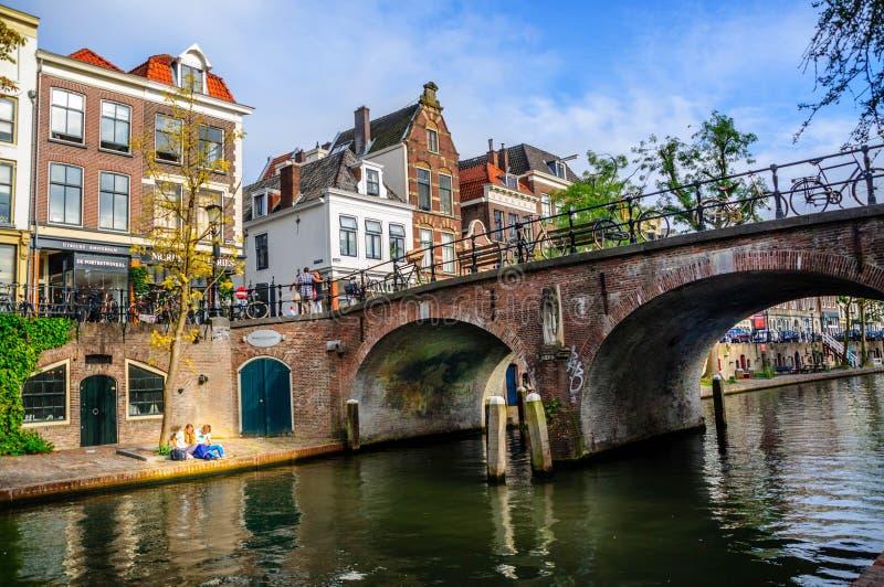 Κανάλια και γέφυρες της Ουτρέχτης: Λίγος αδελφός του Άμστερνταμ στοκ φωτογραφίες