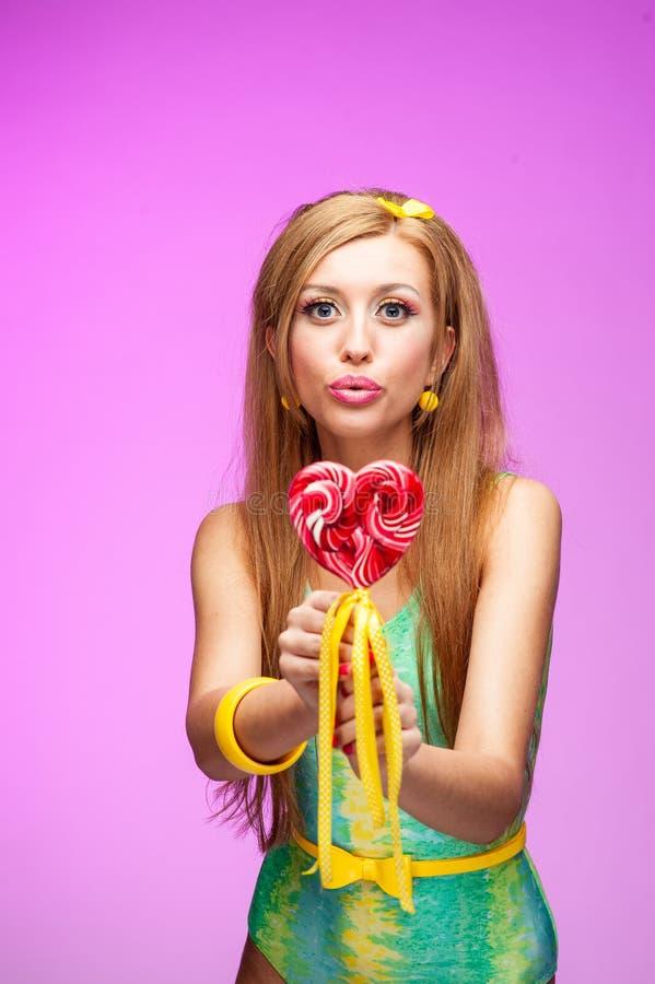 καρφίτσα κοριτσιών lollipop επάν&omega στοκ φωτογραφίες με δικαίωμα ελεύθερης χρήσης