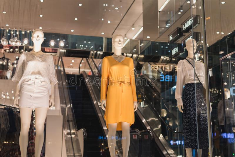 Κατάστημα H&M στη πόλη Χο Τσι Μινχ στοκ εικόνα με δικαίωμα ελεύθερης χρήσης