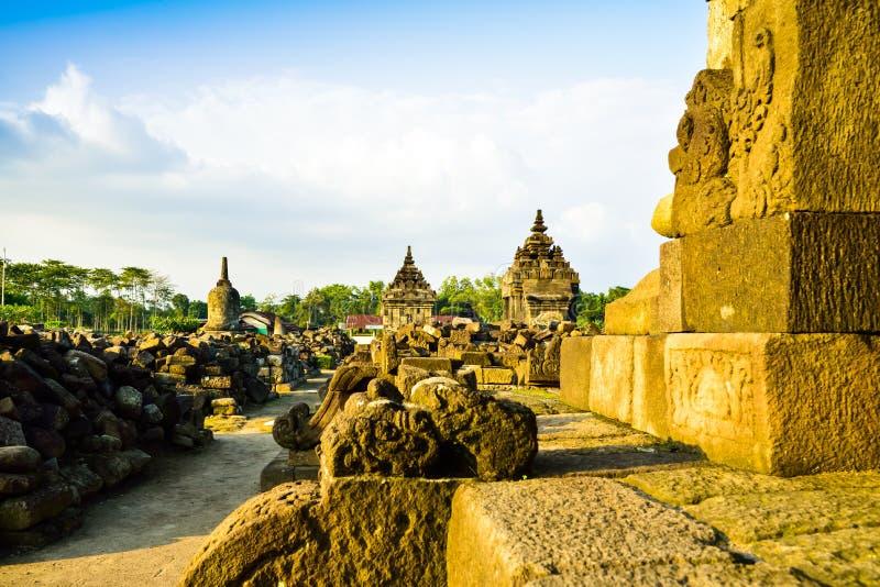 Καταστροφές του παραδοσιακού παλαιού μεσαιωνικού ναού πετρών κληρονομιάς στην ανατολική Ασία σε ένα αρχαιολογικό συγκρότημα στοκ εικόνες με δικαίωμα ελεύθερης χρήσης