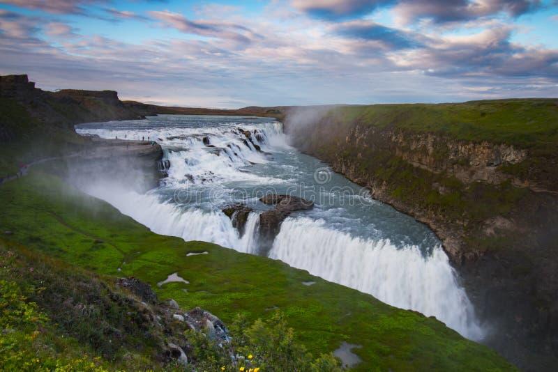 Καταπληκτικός τεράστιος όμορφος καταρράκτης Gullfoss, διάσημο ορόσημο στην Ισλανδία στοκ εικόνες