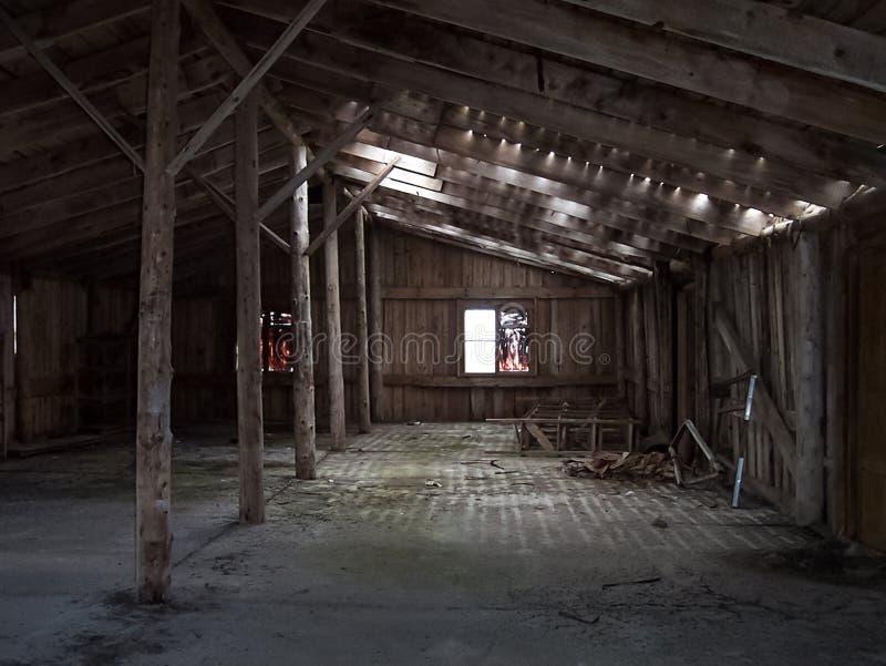 κενό υπόστεγο ξύλινο στοκ φωτογραφία