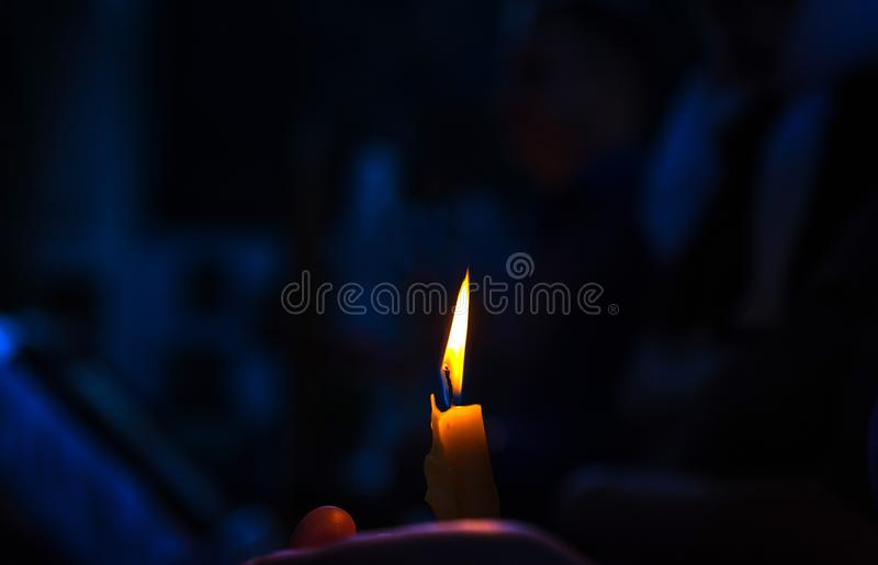 κερί επάνω Βάπτισμα στην εκκλησία Καθολικισμός και ορθοδοξία στοκ φωτογραφίες