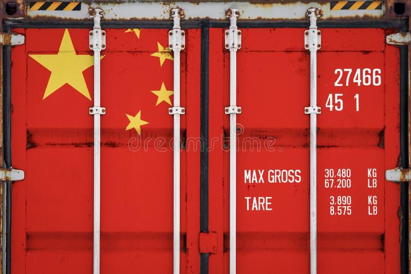 Κινηματογράφηση σε πρώτο πλάνο του εμπορευματοκιβωτίου με τη εθνική σημαία στοκ εικόνα