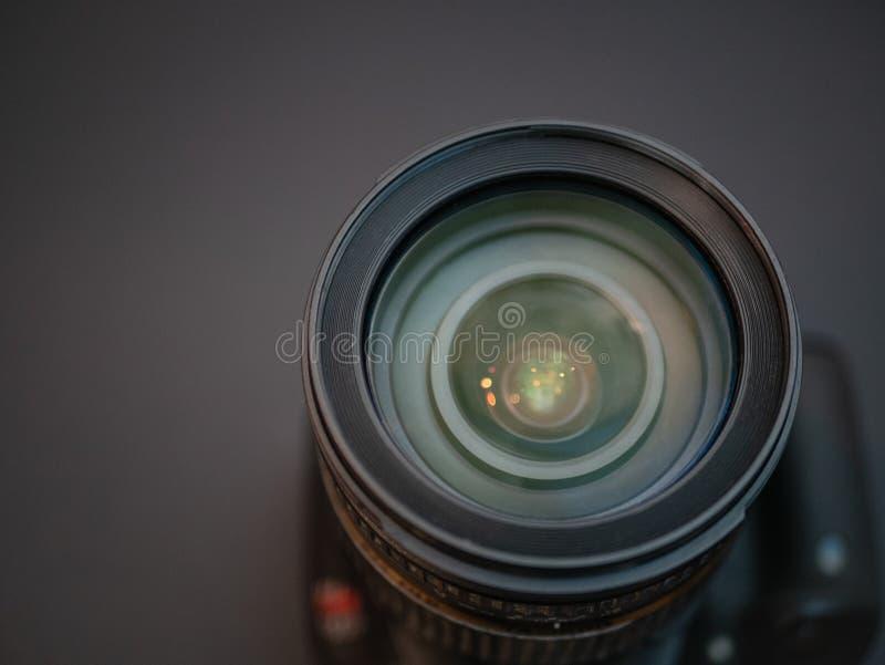 Κινηματογράφηση σε πρώτο πλάνο του μπροστινού στοιχείου φακών φωτογραφιών στοκ φωτογραφίες με δικαίωμα ελεύθερης χρήσης