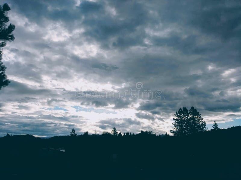 Κλειστοφοβικός ουρανός στοκ εικόνες