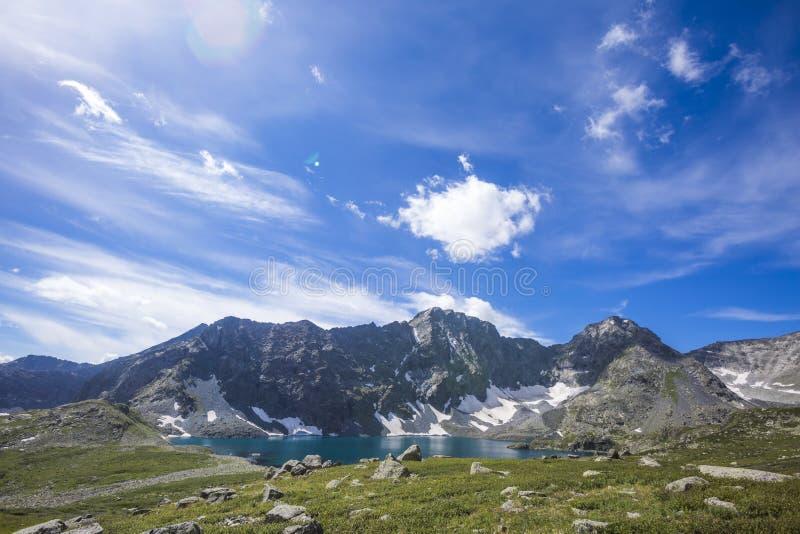 Κοιλάδα Yeshtu Λίμνη ΑΛΑ-Askir Τοπίο Altai βουνών στοκ φωτογραφία με δικαίωμα ελεύθερης χρήσης