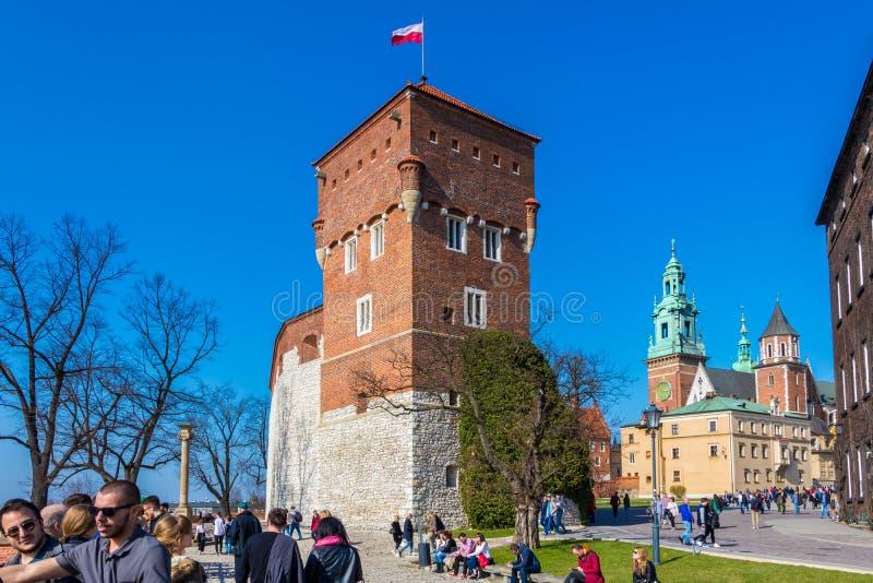 ΚΡΑΚΟΒΙΑ, ΠΟΛΩΝΙΑ - 7 ΑΠΡΙΛΊΟΥ 2018: Πύργος σε Wawel το βασιλικό Castle, Κρακοβία, Πολωνία στοκ φωτογραφίες