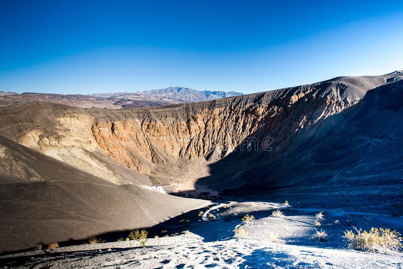 Κρατήρας Ubehebe στην κοιλάδα Καλιφόρνια θανάτου στοκ εικόνες