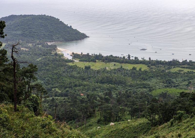 Κόλπος Chon Nam από Hai Van Pass, Βιετνάμ στοκ φωτογραφίες με δικαίωμα ελεύθερης χρήσης