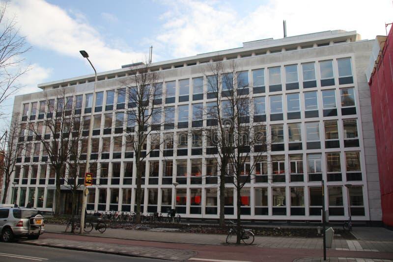 Κτίριο γραφείων στο Bezuidenhoutseweg στη Χάγη όπου η συμβουλευτικές οργάνωση τροφίμων και η έδρα της τράπεζας ASN είναι μέσα στοκ φωτογραφίες