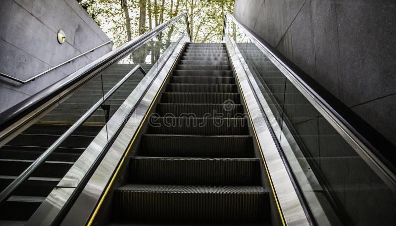 Κυλιόμενη σκάλα για τους ανθρώπους στοκ φωτογραφία