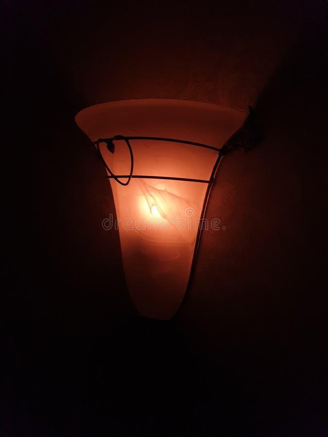 Λαμπτήρας τοίχων νύχτας στοκ φωτογραφία με δικαίωμα ελεύθερης χρήσης