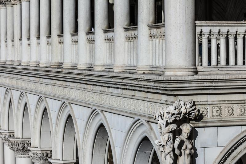 Λας Βέγκας - το Δεκέμβριο του 2016 Circa: Παράδειγμα της ρωμαϊκής αρχιτεκτονικής με τις αψίδες, τις στήλες και τα κορινθιακά κεφά στοκ φωτογραφίες