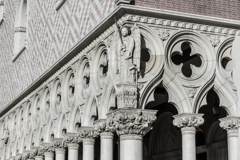 Λας Βέγκας - το Δεκέμβριο του 2016 Circa: Παράδειγμα της ρωμαϊκής αρχιτεκτονικής με τις αψίδες, τις στήλες και τα κορινθιακά κεφά στοκ φωτογραφία με δικαίωμα ελεύθερης χρήσης